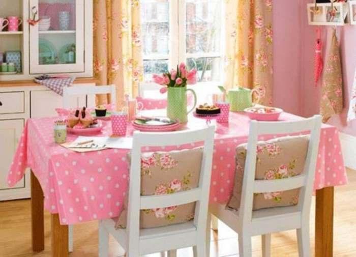 Пастельные цвета для кухонных штор и интерьера